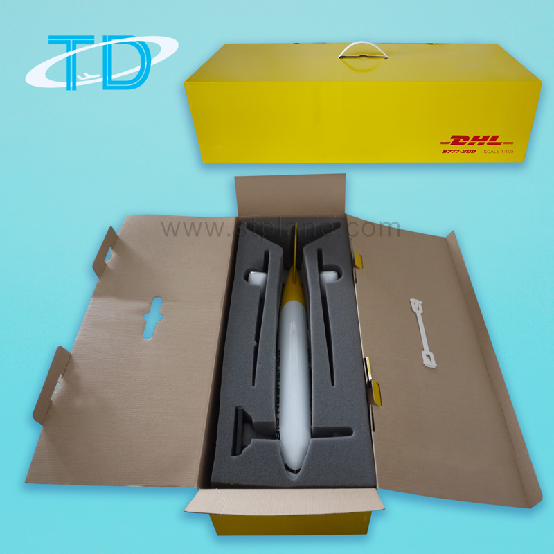 Color box with sponge inner for synthetic material plane model with detachabble wings